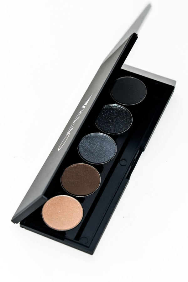 Signature Eye Shadow Palette - Irresistible Smokey Eyes