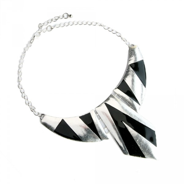 Stort halsband - Black Triangle