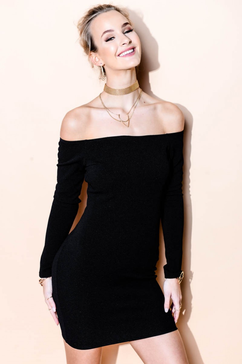 Svart Klänning Off Shoulder Black | madlady.se